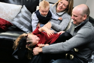 Blog - family-tickling-each-other-1429196-639x434