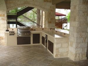 mansion-outdoor-kitchen-1537768_640